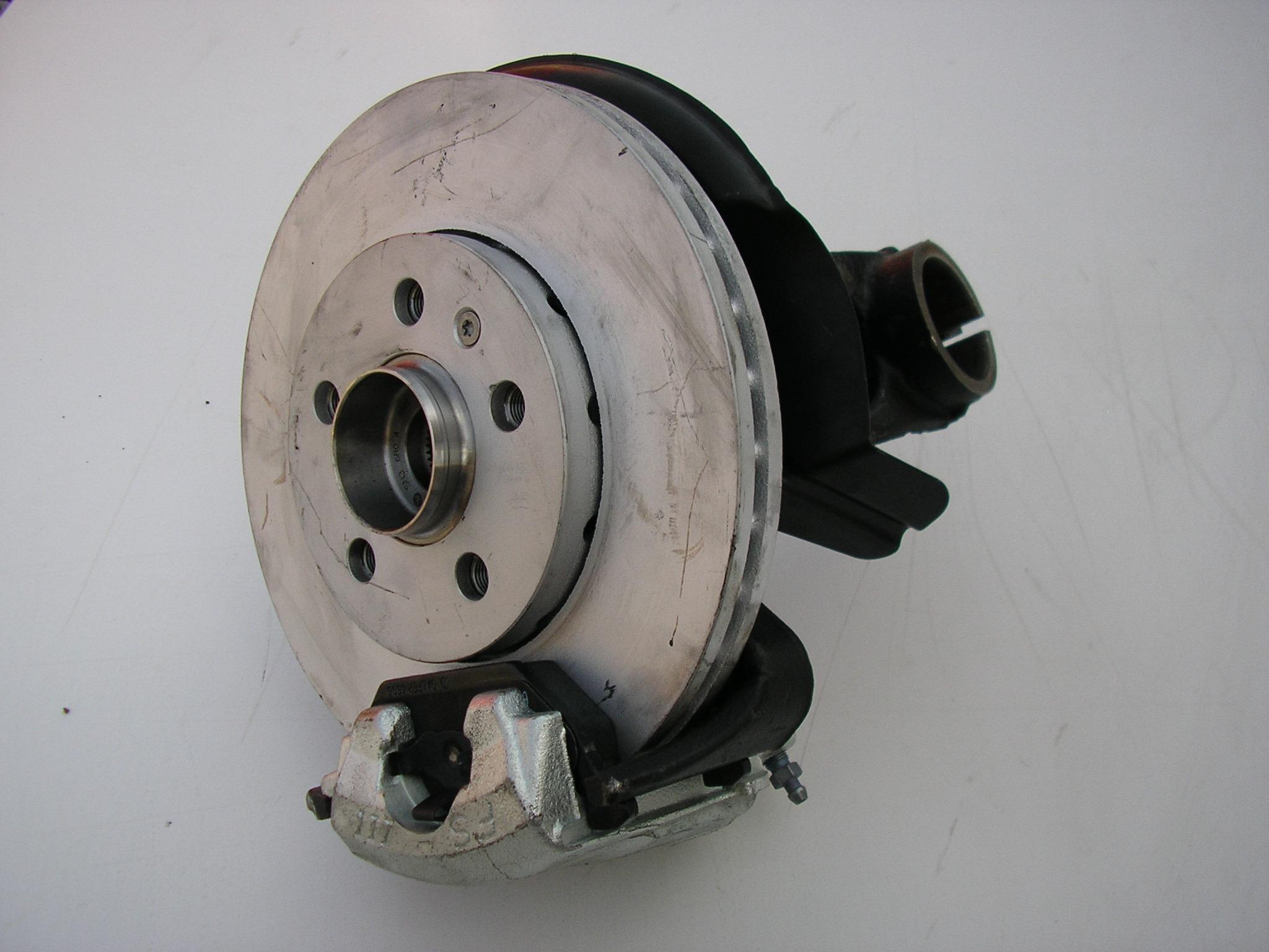 Těhlice/otoč/úplná pravá 1,9 FABIA s ABS 1.4MPi,1.9TDi